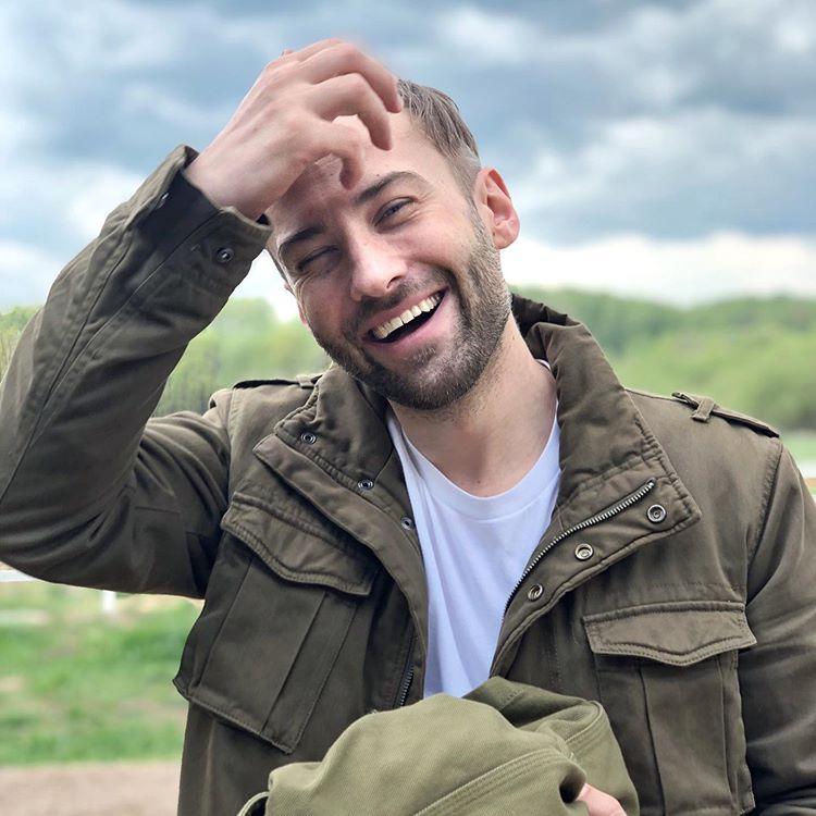 Когда он станет старше, пусть сам решит: Дмитрий Шепелев объяснил, почему не показывает лицо сына