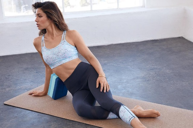 Плиометрика и йога: 7 правил тренировок Джессики Бил Звездные диеты и фитнес