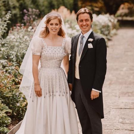 Принцесса Евгения поделилась ранее неизвестным фото со свадьбы принцессы Беатрис Монархи,Британские монархи