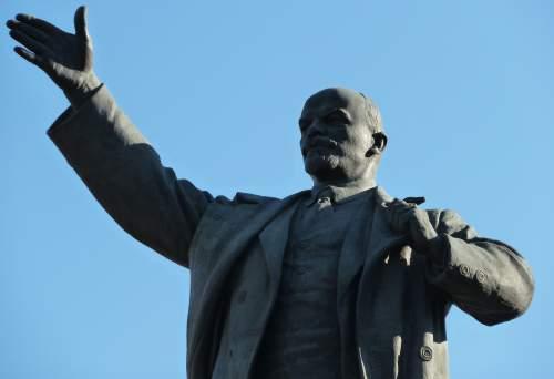 Как либералы возвеличивают Ленина