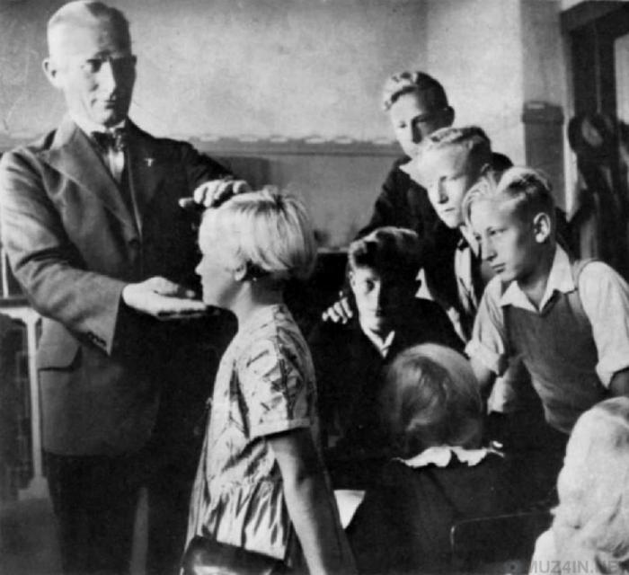 «Дети, гордитесь, ваша кровь будет отдана немецким солдатам», - говорил рейхсфюрер СС Гиммлер./Фото: i.imgur.com