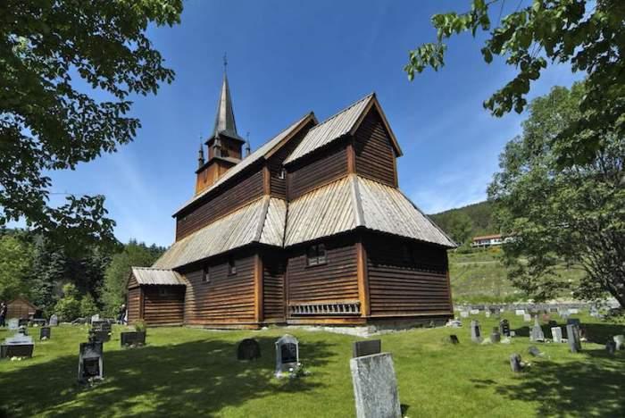 Каупангерская ставкирка была построена в XII в. и действует уже более 800 лет. | Фото: hronika.info.