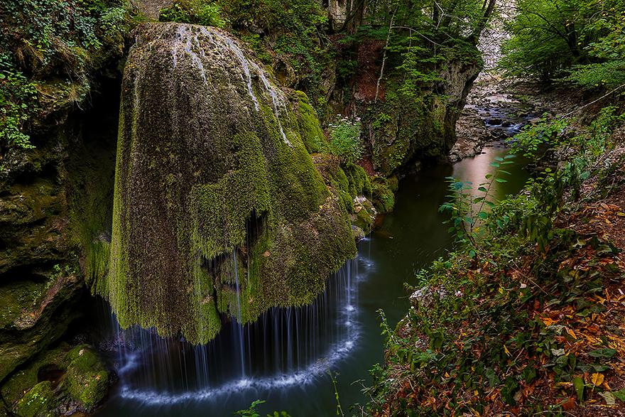 amazing-places-romania-8__880
