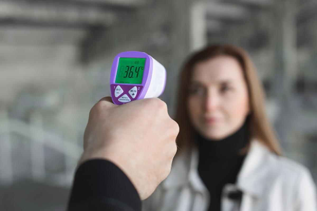 Эксперты назвали опасность измерения температуры в аэропортах