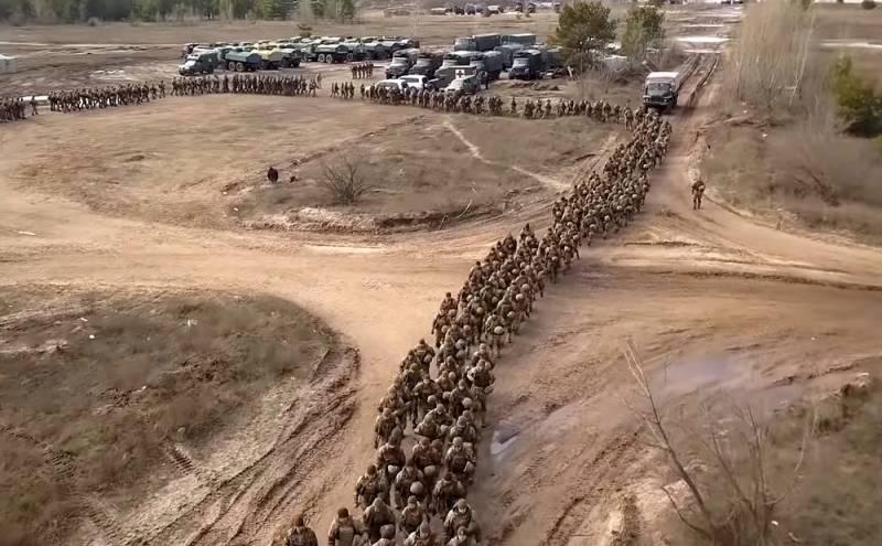 4 тысячи украинских военных выдвигаются на границу с Крымом