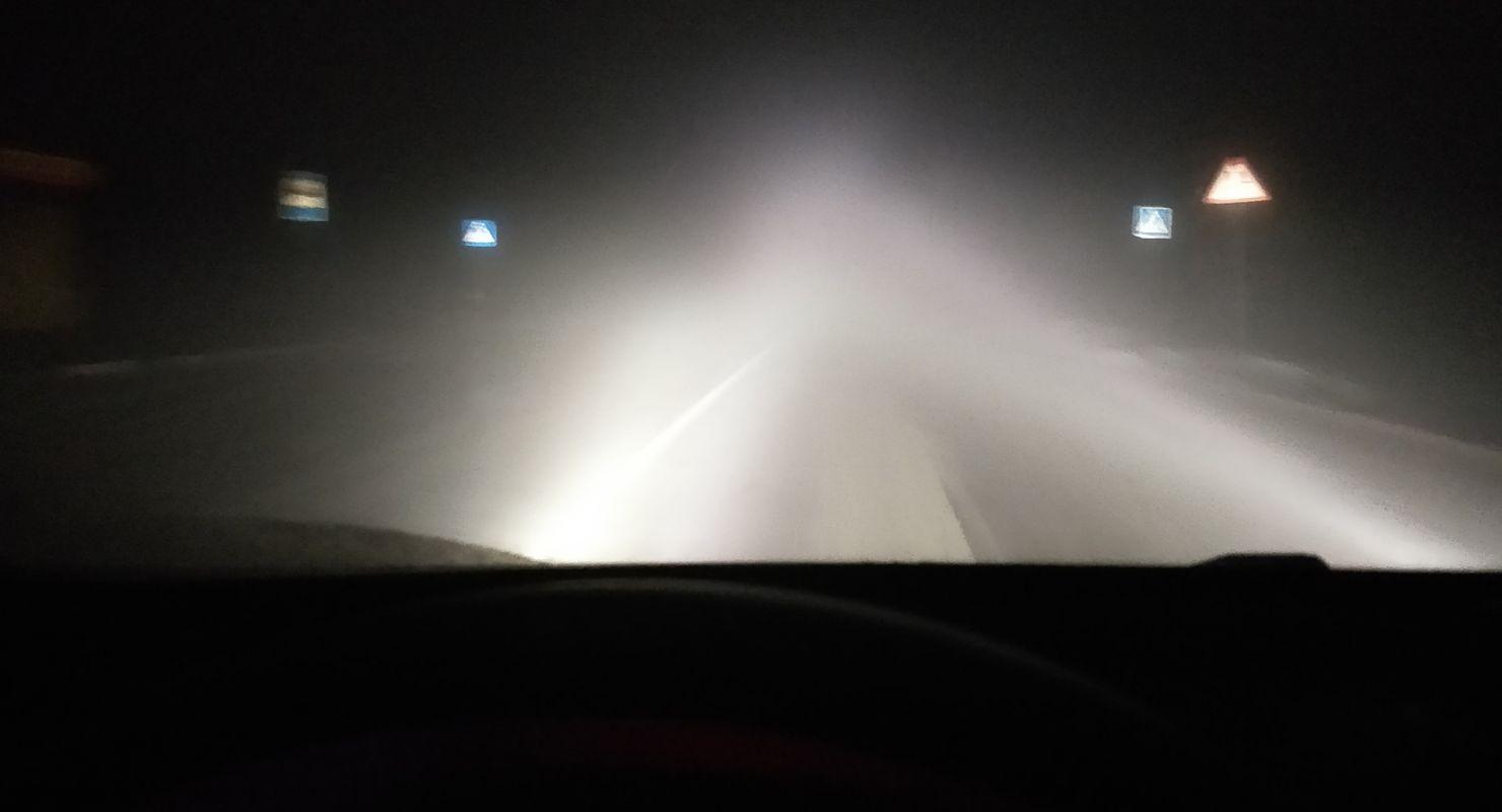 Когда ближний свет может освещать дорогу лучше дальнего Автомобили