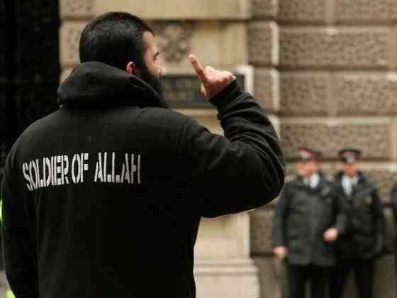 """Мигранты - Европе: """"Будете ж…"""