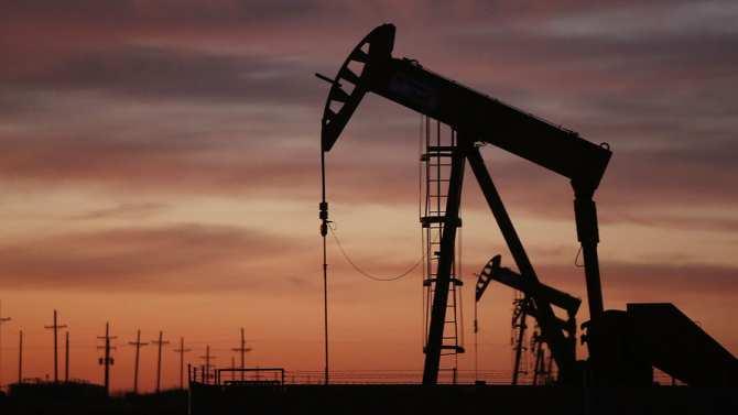 Цены на нефть рухнули на 6%