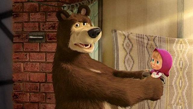 """Британские СМИ назвали """"Машу и Медведя"""" российской пропагандой"""