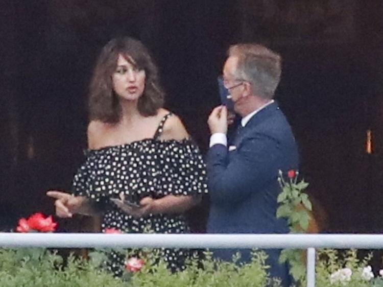 Семейный ужин: Венсан Кассель и Моника Белуччи отдыхают с дочерьми на озере Комо Звезды,Новости о звездах