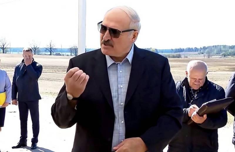 Зачем Лукашенко постоянно хамит России