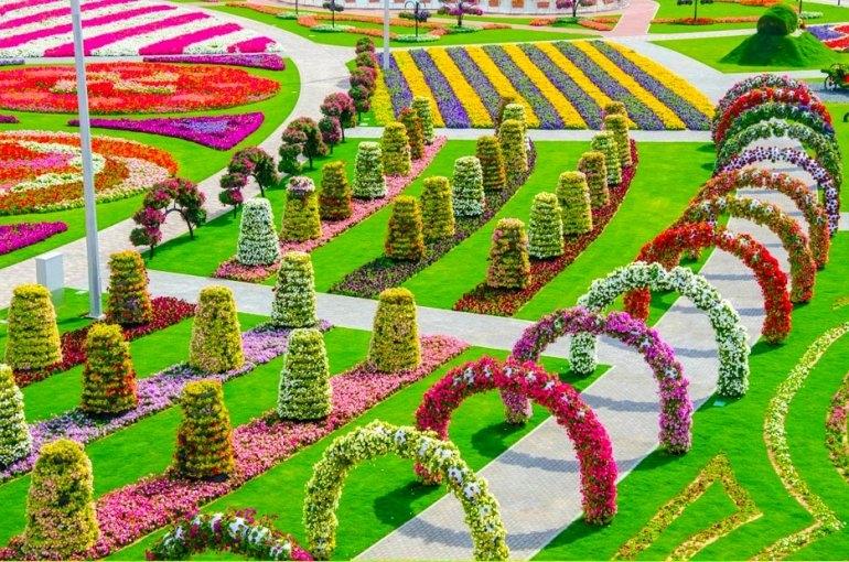 Самый большой цветочный сад в мире