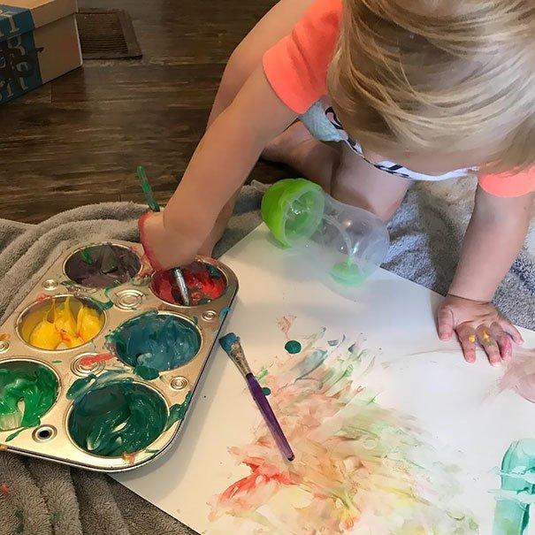 14. «Йогурт+пищевой краситель=съедобная краска» Хитрость, дети, идея, полезно, родители, совет, фантазия