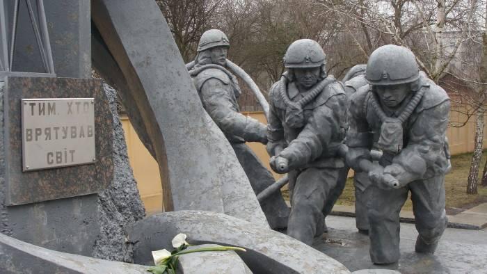 Как хоронили спасших Европу «Чернобыльских дайверов»