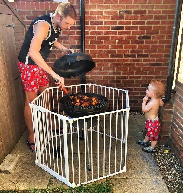 1. «Лайфхак с оградой для барбекю от папы» Хитрость, дети, идея, полезно, родители, совет, фантазия