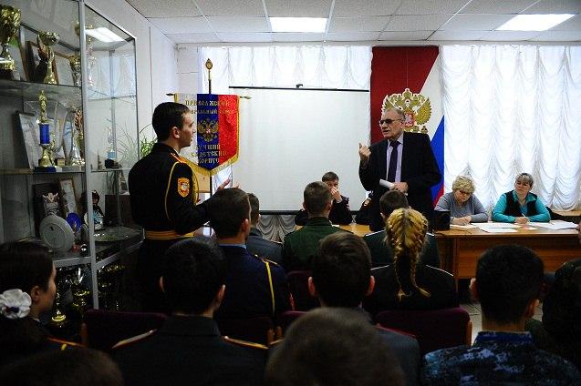 Будущие офицеры защитили честь ДНР