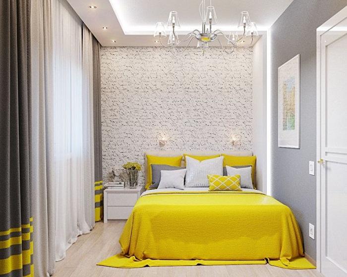 С нейтральной цветовой гаммой стен отлично сочетается яркий текстиль.| Фото: Trizio.ru.