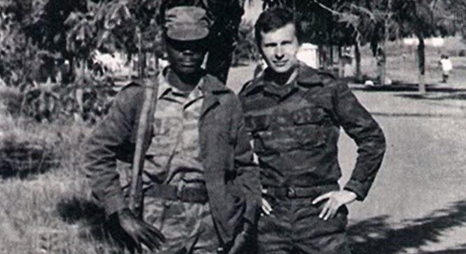 ЦУР выпустил фильм-расследование о Сечине. В молодости он «охотился на негров» в Анголе