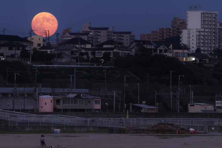 Лунная гигантомания (8 фото)