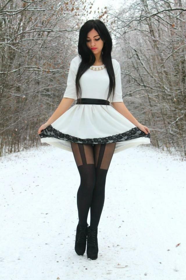 А зимой вообще всё отлично охлаждается ;) жара, женщина, прикол, юбка, юмор