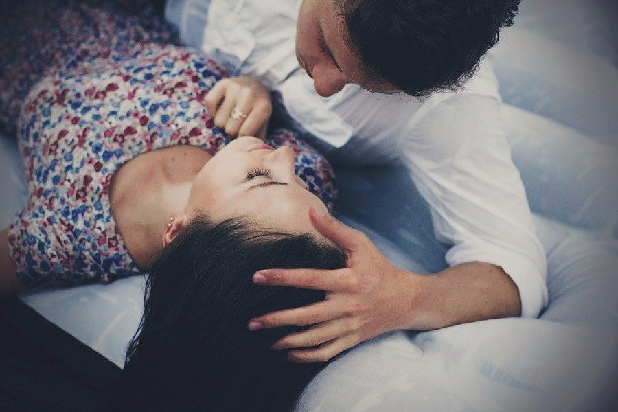 Картинка спящая любимая девушка