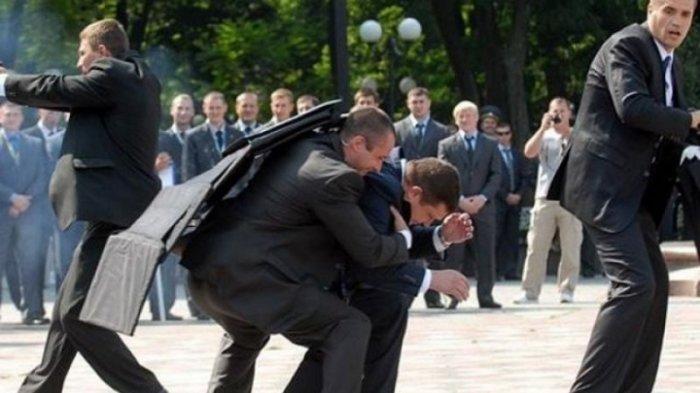 Что находится в чемоданчике у охраны президента?