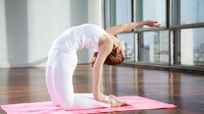 4 упражнения для позвоночника, улучшающие кровоснабжение мозга и освобождающие сосуды от зажимов