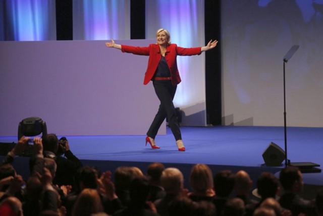 Ле Пен пообещала: Евросоюзу конец!