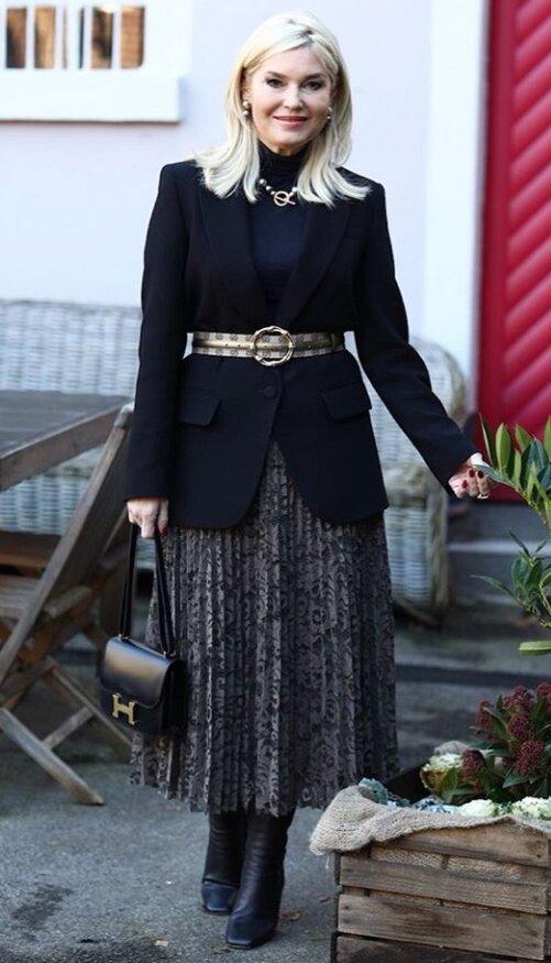 Пончо, платок, юбка-плиссе...: как носить обычные вещи стильно женщинам 50+ может, пончо, смотрится, сочетать, этого, образ, вещами, можно, вариант, рюшами, кардиган, блузы, стильного, испортить, фактур, кожаным, привычный, всего, женщин, образов