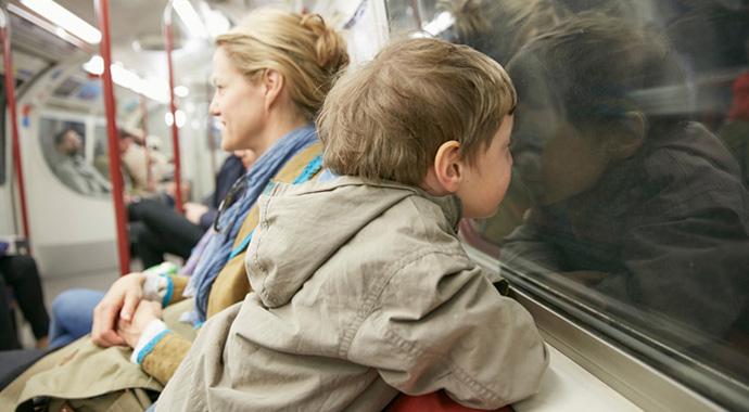 «Уступите ребенку место!»: чья усталость важнее