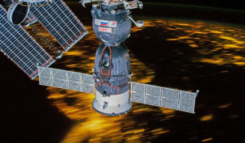 Космический корабль «Союз МС-12», пристыкованный к МКС, 16 марта 2019. (Фото NASA):