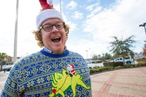 Смешные и нелепые рождественские свитеры