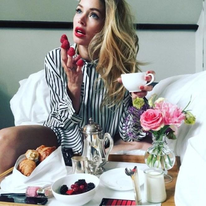 Завтрак моделей: с чего начинают день самые красивые девушки мира внешность,знаменитости,иконы стиля,мода и красота,модные советы,стиль,стиль жизни,фигура