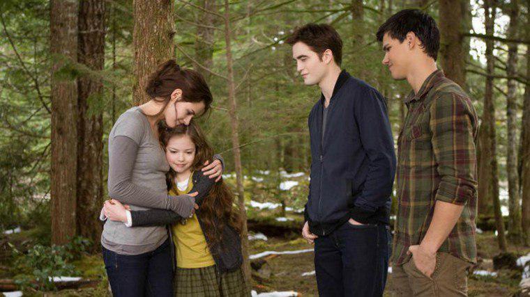 6 лет спустя после «Сумерек»: Кристен Стюарт встретилась со своей экранной дочерью