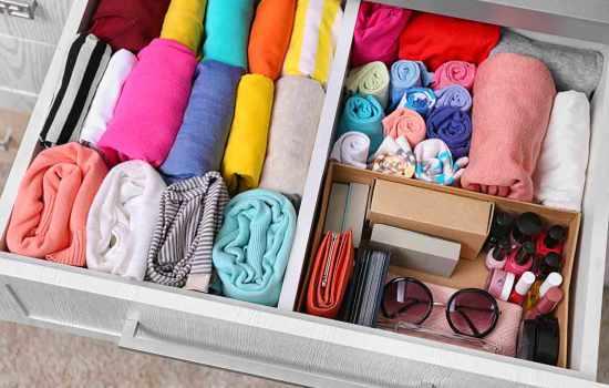 Как расположить и хранить вещи в шкафах: полезные лайфхаки