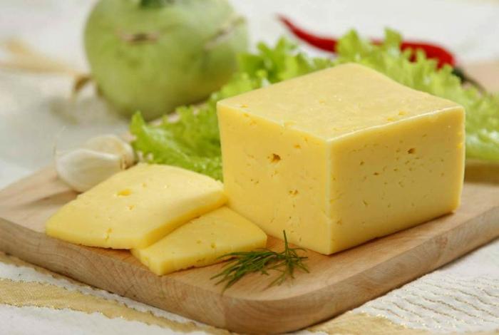 Чтобы сыр не обветрился. | Фото: mirpovara.ru.
