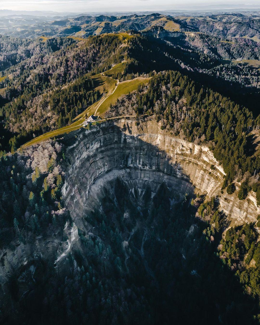 Изумительные тревел-фото Юрга Хостеттлера, которые заряжают бодростью и позитивом Хостеттлер, фокусируется, Mavic, камеру, использует, аэрофотосъемке, природной, пейзажной, Швеции, Juerg, приключений, искатель, дрона, оператор, фотограф, талантливый, Hostettler, drone