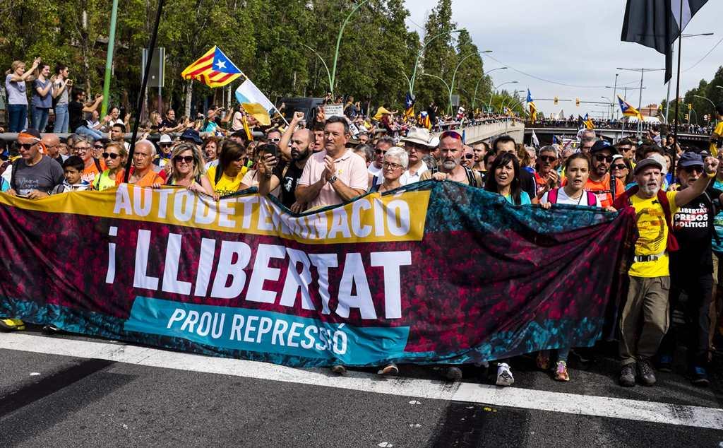 «Поганые сепары». Скоро ли Мадрид пойдёт по пути Киева? Испании, когда, только, среди, нашей, своей, полицейских, против, Барселоне, может, каталонцев, Francisco, Каталония, человека, Каталонии, России, очень, более, достаточно, октября