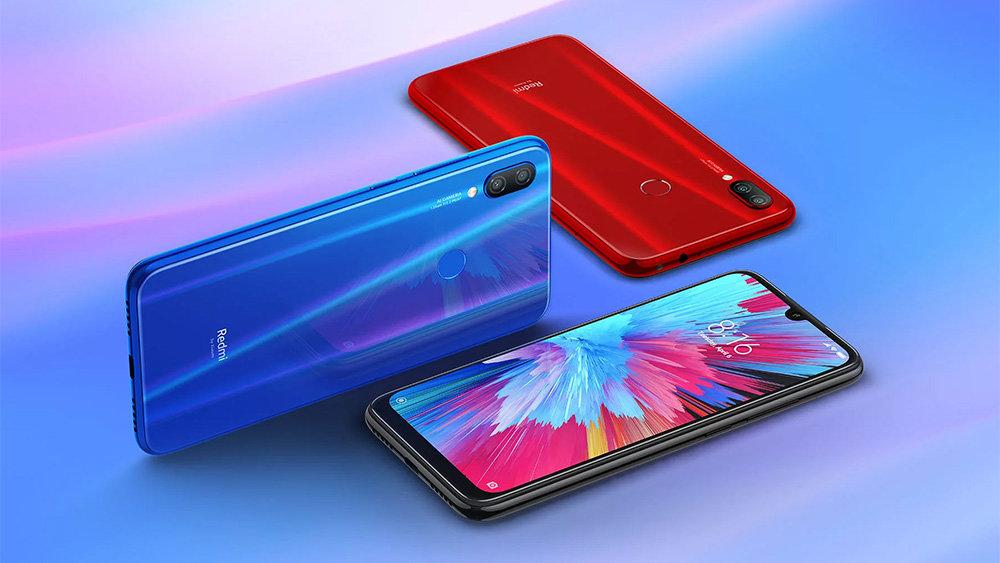 Дешевый смартфон Xiaomi впер…