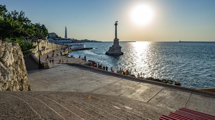 Пять лет изоляции и контейнер с мороженым: Как выжил Крым