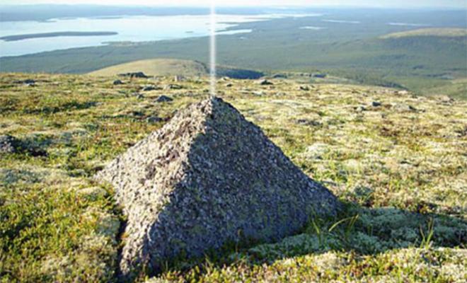 На Урале есть 2 горы идеальной пирамидальной формы. Археологи считают, что их могли построить 30 тысяч лет назад Культура