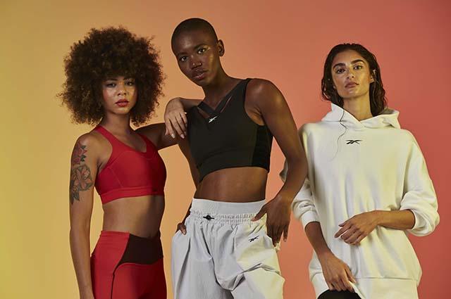 Первые осенние капсулы, молодой российский бренд и спорт: смотрим новые лукбуки Лукбук