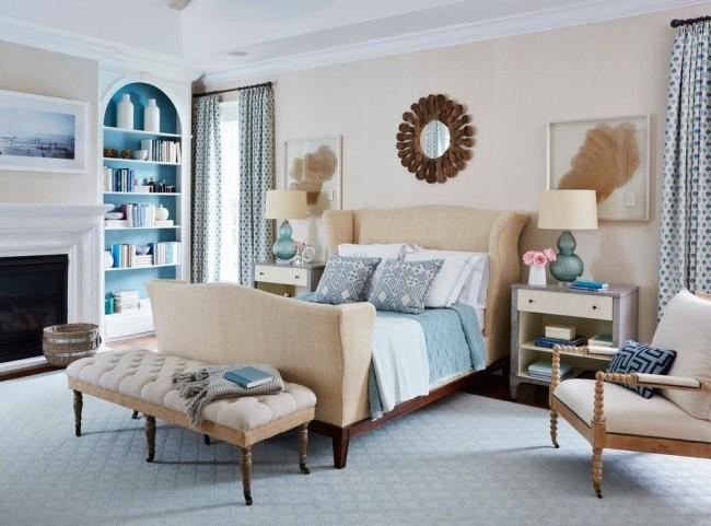 Уютная спальня в кремово-голубых тонах