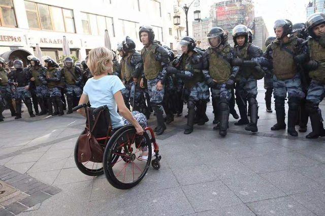 Митинги в Москве и Гонконге, как судороги подыхающего гегемона