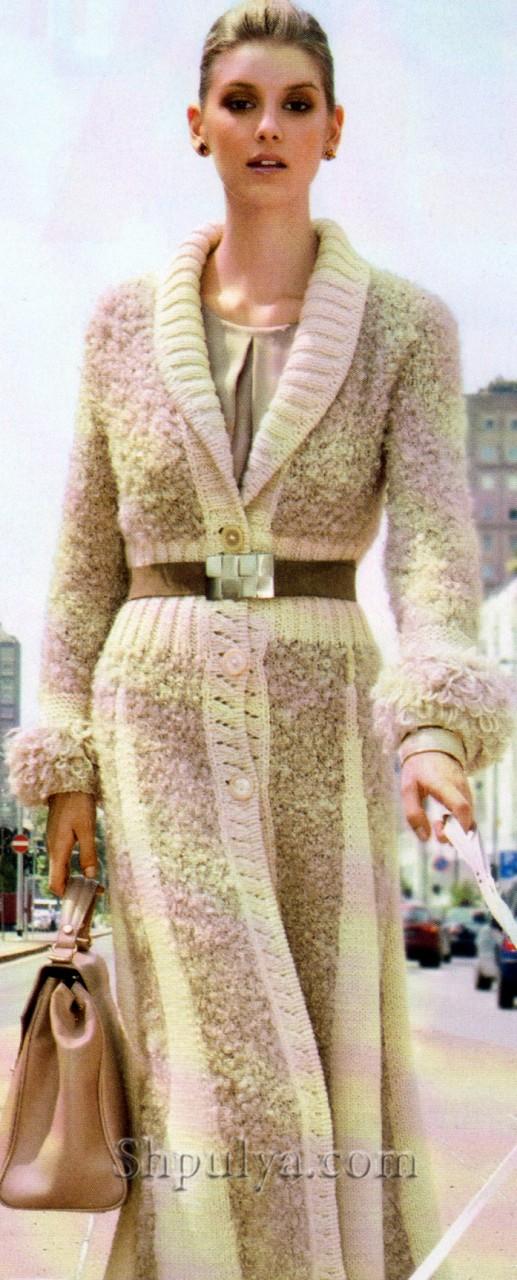 Стильное длинное пальто спицами
