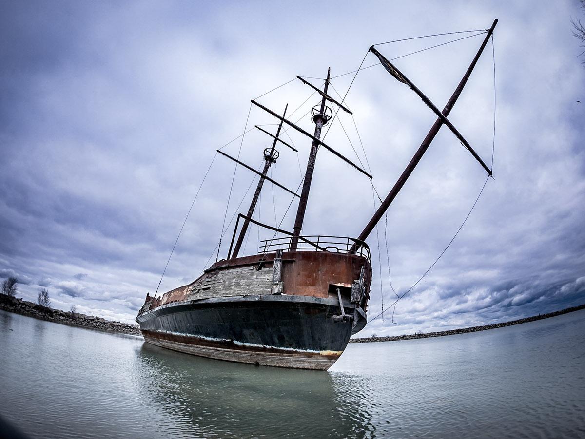 Достичь дна: затонувшие корабли Приморского края