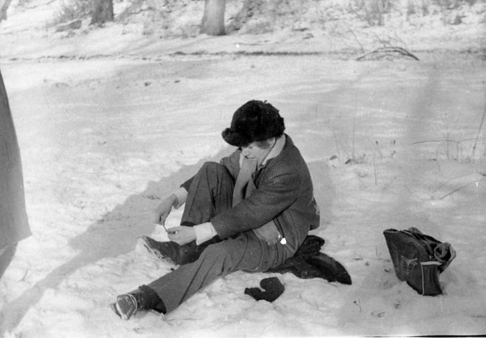 «Снится мне деревня»: 20 фотографий из жизни молодёжи в советской деревне