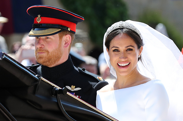 Два года со дня свадьбы Меган Маркл и принца Гарри: самые яркие кадры пары