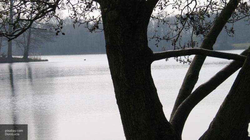 В США в озеро упал неопознанный объект, после которого высохло озеро