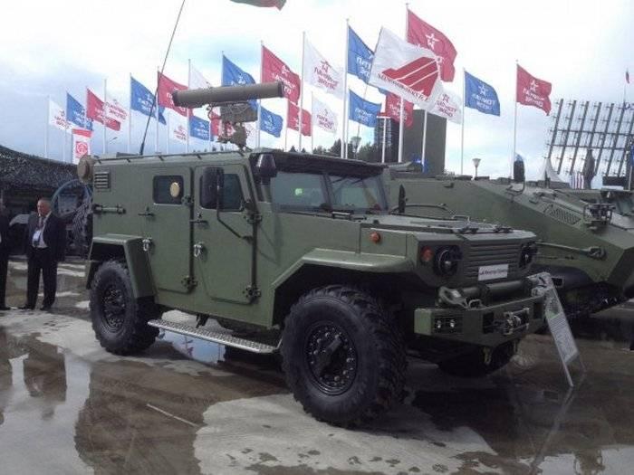 """Белоруссия представила плавающий броневик """"Витим"""""""